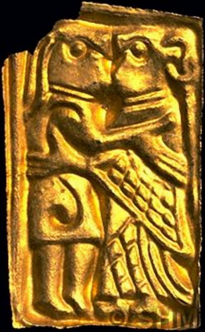 the small gold pieces of foil that may depict Gerðr and Freyr