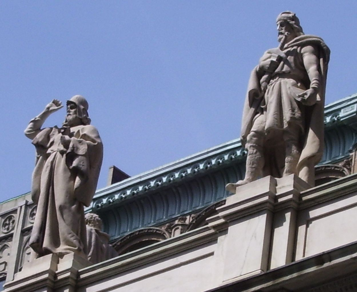 Zoroaster (left) standing over the First Judicial Department of The New York Supreme Court.