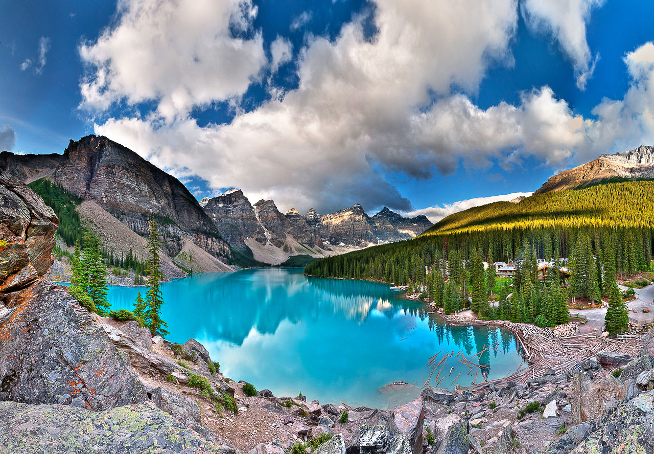 Moraine Lake, a glacially-fed lake in Banff National Park, Alberta, Canada.